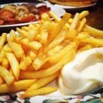 Patatas fritas con mayonesa del Mostaza Zaragoza
