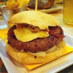 hamburguesas de colores zaragoza hamburguesa con brie del takk burgerbar zaragoza