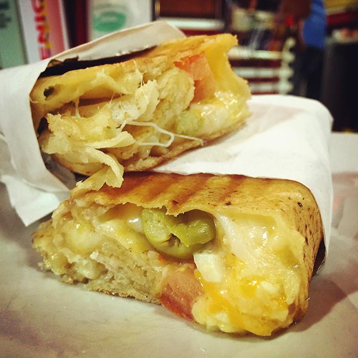 Bocadillo 12 quesos del Musti