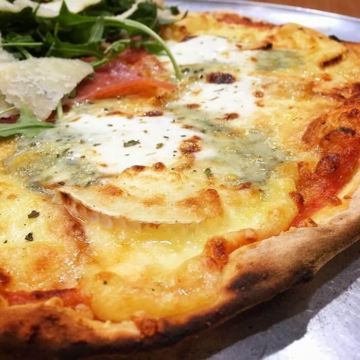 pizza 7 quesos pizzeria da claudio zaragoza