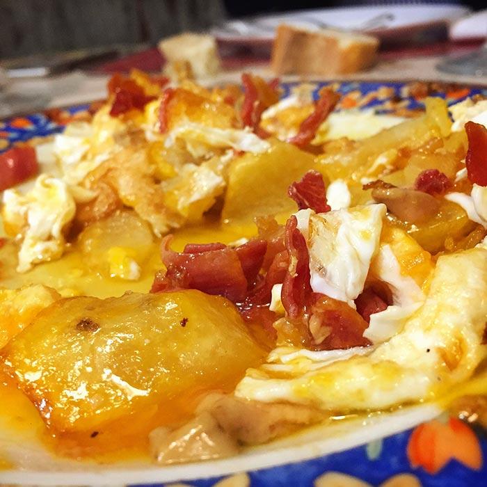 huevos rotos en casa pilar zaragoza